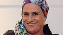 Tutorial: Vera Holtz ensina maneiras de usar lenços na cabeça
